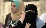 Dipaksa Lepas Jilbab, Muslimah LA Tuntut Polisi
