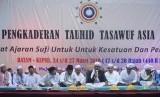 Muzakarah Pengkaderan Tauhid Tasawuf Asia Tenggara Ke-2 di Lapangan Welcome To Batam (WTB), Kota Batam, Kepulauan Riau, Ahad (24/3).
