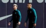 Neymar (kanan) dan Lionel Messi