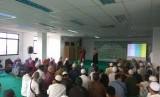 Organisasi Islam Wanita al-Irsyad mengadakan acara silaturahim sekaligus buka puasa bersama dengan Majelis Ta'lim Tuli Indonesia (MTTI) di Masjid Abu Bakar ash-Shiddiq, Jalan Otto Iskandar Dinata, Jakarta, Sabtu (10/6).