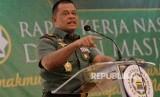 Panglima TNI Jenderal Gatot Nurmantyo berpidato di hari terakhir Rakernas II PP Dewan Masjid Indonesia (DMI), Jakarta, Rabu (7/12).