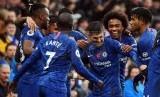 Para pemain Chelsea merayakan kemenangan.