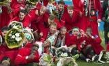 Para pemain Feyenoord merayakan gelar juara Piala Belanda.
