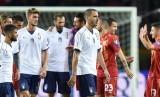 Para pemain Italia ketika menghadapi Makedoni di Stadion Olimpiade, Turin, Sabtu (7/10) dini hari WIB. Laga ini berkesudahan 1-1.