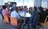 Para tetua komunitas Afrika di Melbourne bertemu.