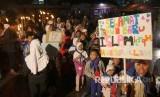 Pawai obor dalam rangka menyambut tahun baru Islam 1 Muharam 1439 H, di Sadangserang, Kota Bandung, Rabu (20/9) malam.