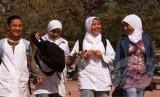 Pelajar muslim selepas pulang dari sekolah. (ilustrasi)