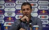 Pelatih Persib, Miljan Radovic.