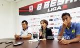 Pelatih PSIS Semarang Subangkit (kiri) dan Pemain PSIS Haudi Abdillah (kanan)