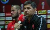 Pelatih PSM Makassar, Darije Kalezic (kanan).