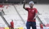 Latihan Persija: Pelatih tim Persija Jakarta Ivan Kolev memimpin sesi latihan di Stadion Utama Gelora Bung Karno, Senayan, Jakarta, Senin (25/2/2019).