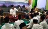 Pelatihan yang diikuti sekitar 150 santri dari berbagai pondok pesantren di Jawa Tengah ini dilaksanakan di auditorium Mathla'ul Anwar, Pondok Pesantren Al Anwar, Sarang, Rembang, pada Selasa - Rabu, (13-14/2).