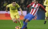 Pemain Atletico Madrid Angel Correa (kanan)