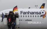 Pemain Jerman berangkat ke Rusia dari Bandara Internasional Frankfurt di Frankfurt, Jerman, Selasa (12/6).