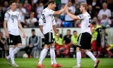 Pemain Jerman Timo Werner (kanan) merayakan golnya ke gawang Estonia.kana