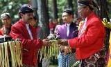 Wali Kota Magelang Sigit Widyonindito (kanan)