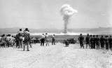 Pemerintah AS yang terpaksa mengembangkan persenjataan nuklir, akhirnya melakukan uji coba nuklir pertama di lokasi baru di Nevada, pada 27 Januari 1951.