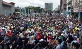 Pendukung prokemerdekaan Taiwan menuntut referendum di Taipei, Taiwan, Sabtu (20/10).
