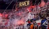 Pendukung River Plate.