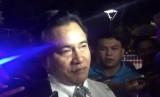 Yusril Minta Jokowi tak Cuma Cabut Lampiran Investasi Miras