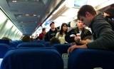 Penumpang di pesawat.