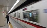 Kereta Tokyo yang dioperasikan oleh Tokyo Metro, Marunouchi Line, memiliki waktu kedatangan (headway), yakni hanya satu menit 50 detik (Ilustrasi foto Tokyo Metro)