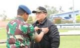 Penyematan Wing Terbang Layang kepada Bupati Musi Banyuasin Dodi Reza di Pangkalan Udara Sri Mulyono Herlambang (SMH), Palembang, Senin (20/1/2020).