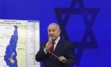 Perdana Menteri Israel Benjamin Netanyahu berbicara dalam konferensi pers di el Aviv, Israel, Selasa (10/9). Netanyahu berjanji menganeksasi Tepi Barat jika ia terpilih pekan depan.