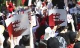 Perempuan Korea Selatan menggelar aksi meminta perlindungan pemerintah dari aksi perekaman ilegal dari kamera tersembunyi yang sedang marak, di Seoul, Korea Selatan, Sabtu (7/7)