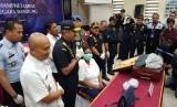 Perempuan WNA diamankan petugas Bea dan Cukai Bandung karena kedapatan membawa 1,5 kilogram sabu.