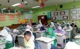 Teks Khutbah Jumat: Pendidikan Islam bagi Generasi Milenial  (ilustrasi).