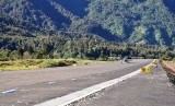Pesawat Jenis Pilatus Porter milik MaLapangan Terbang Perintis Arwanop, Distrik Tembagapura, Timika, Papua.