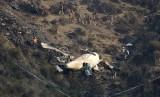 Pesawat Pakistan International Airlines jatuh di Pegunungan Havelian, Pakistan.