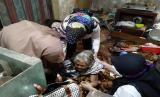 Seorang Nenek di Tasikmalaya Hidup dengan Hewan Peliharaan