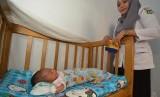 Penemu Bayi yang Dibuang di Depan Rumah Ibu Kandung Sendiri