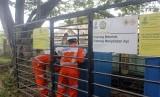 Petugas PT Perusahaan Gas Negara (PGN) saat melakukan perawatan jaringan gas (Jargas) di Kabupaten Sorong, Papua Barat, Rabu (26/6/2019).