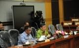 Pimpinan Komisi VIII DPR RI Sodik Mudjahid (kiri) dan Iskan Qolba Lubis (kanan) di Gedung DPR RI. Kemenag, OJK, dan Komisi VIII Sepakat Bantu Jamaah FT.
