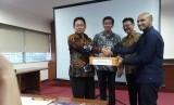 PISAgro menyerahkan kurikulum kopi kepada BPPSDMP Kementerian Pertanian untuk diterapkan secara nasional di Politekni Pembangunan Pertanian (Polbangtan), Jumat (7/12).