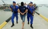 Pengungkapan kasus narkoba oleh Mapolair Polda Kepri. Ketua MPR menyebut Kepri sebagai salah satu pintu masuk peredaran narkoba di Indonesia.