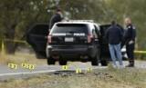 Polisi menyelidiki lokasi penembakan di Rancho Tehama Reserve, dekat Corning, Kalifornia, Selasa (14/11).