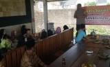 Polres Tasikmalaya Kota menggelar silaturahim dengan keluarga nara pidana kasus terorisme di Kota Tasikmalaya, Rabu (26/6).