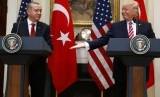 Presiden AS Donald Trump bersama Presiden Turki Recep Tayyip Erdogan (ilustrasi).