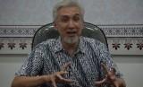 Presiden Direktur Karim Consulting Indonesia (KCI) Adiwarman A Karim saat diwawancarai Republika di Jakarta, Selasa (6/11).