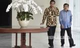 Presiden Joko Widodo (kiri) bersama Wakil Presiden Jusuf Kalla