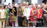 Presiden Jokowi menggelar pertemuan dengan raja dan sultan se-Indonesia di Istana Kepresidenan, Bogor, Kamis (4/1).