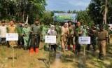 Program cetak sawah Kementerian Pertanian di Desa Latteko, Kecamatan Awangpone, Kabupaten Bone, Sulawesi Selatan, yang berhasil ditanami, Senin (10/12).