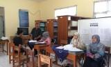 Proses daftar ulang PPDB di salah satu sekolah (ilustrasi)