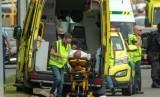 Proses evakuasi korban penembakan di masjid Christchurch, Selandia Baru