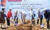 Prosesi peletakan batu pertama tanda dimulainya pembangunan PT Cementaid Sales and Services Indonesia, Jum'at (15/3).