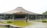 Pura Mangkunegaran dibuka kembali pada Senin (13/7).